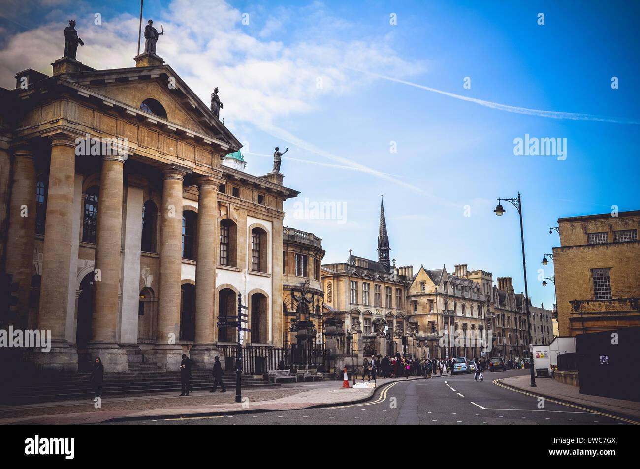 Vista la Broad Street e la Bodleian Library (Clarendon Building), Oxford, Regno Unito Immagini Stock