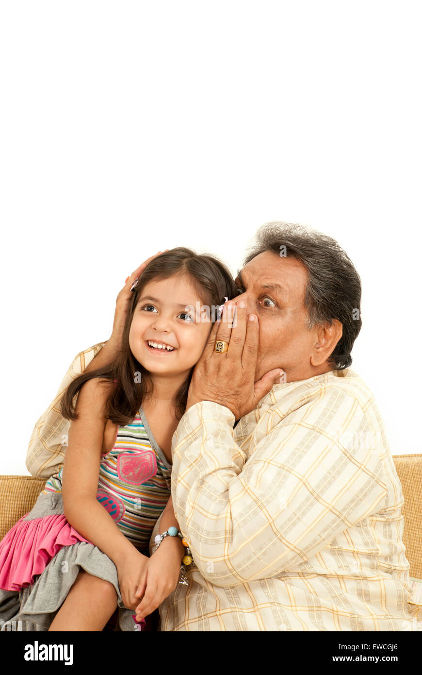 Grand padre giocando con il suo grand bambini Immagini Stock