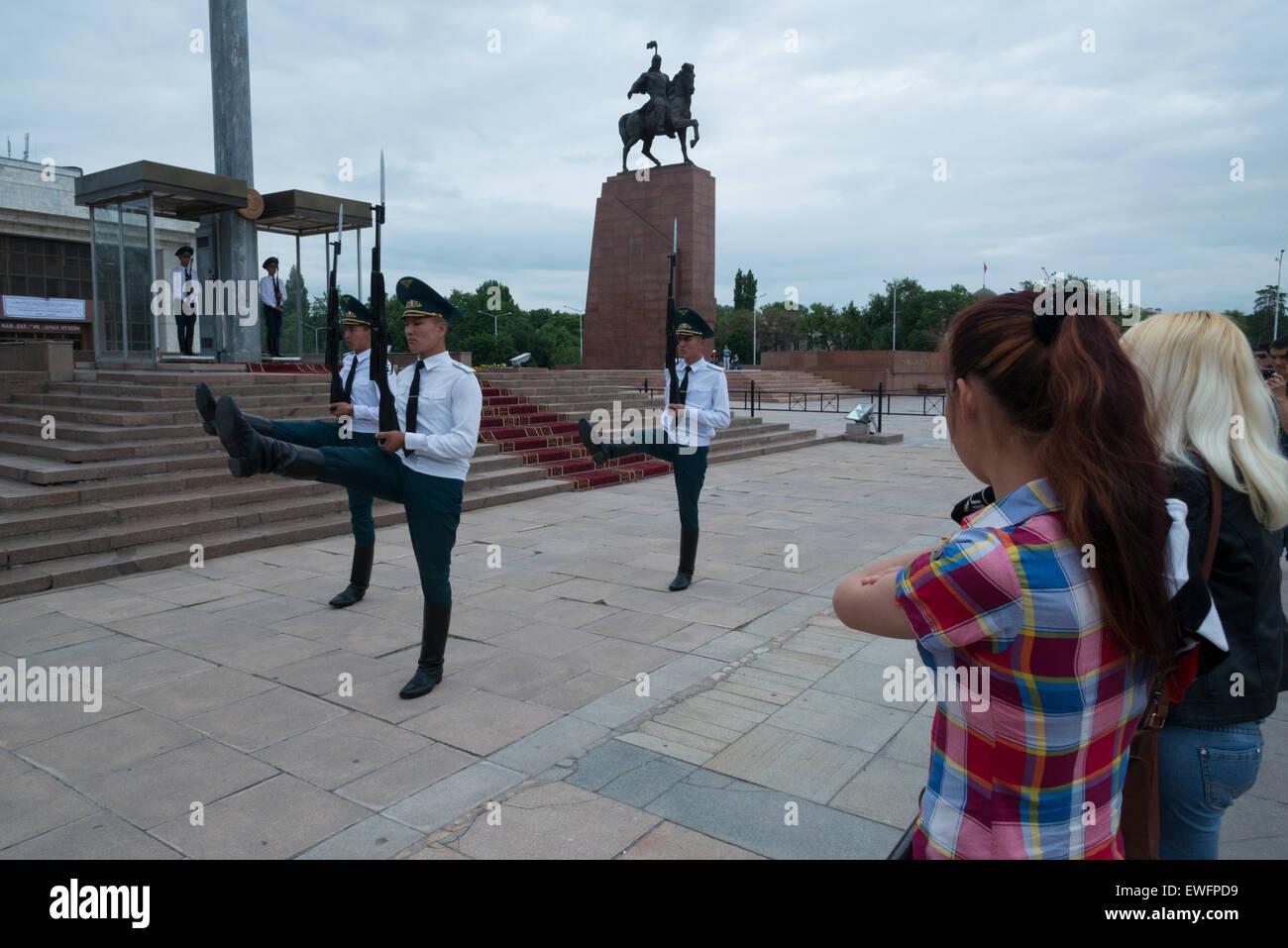 Cambio della guardia. Ala-Too square. Bishkek. Il Kirghizistan. In Asia centrale. Immagini Stock