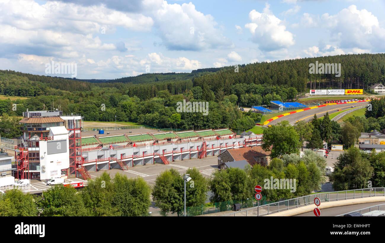 Circuito Spa : Torre di controllo e la via del circuito di spa francorchamps a spa