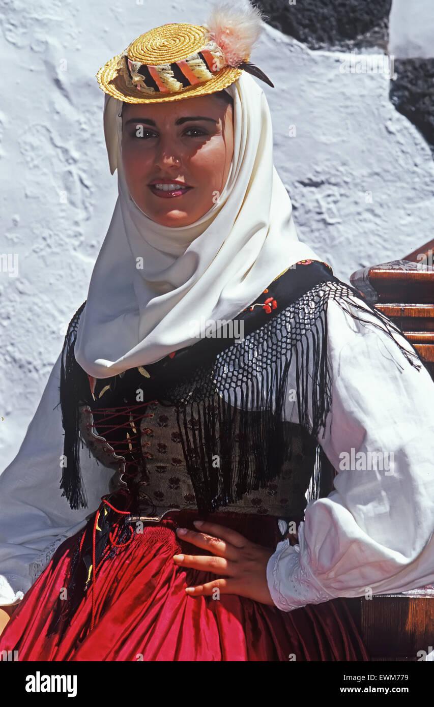 Ragazza giovane indossando il costume tradizionale, close-up, Santa Cruz de la Palma la Palma Isole Canarie Spagna, Immagini Stock