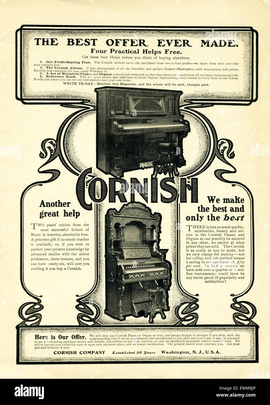Questo annuncio per il Cornish pianoforti verticali è apparso in McCall della rivista di marzo 1904. Secondo Immagini Stock