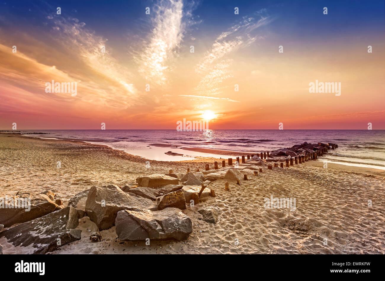 Magico tramonto sul Mar Baltico, Miedzyzdroje in Polonia. Foto Stock