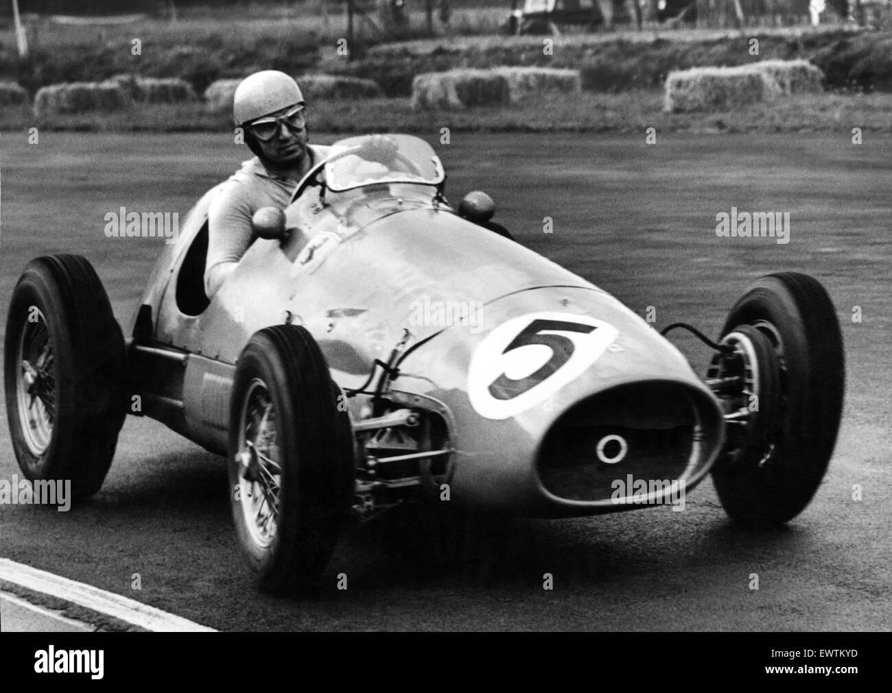 Circuito Ascari : Italian racing driver alberto ascari in azione durante il 1953