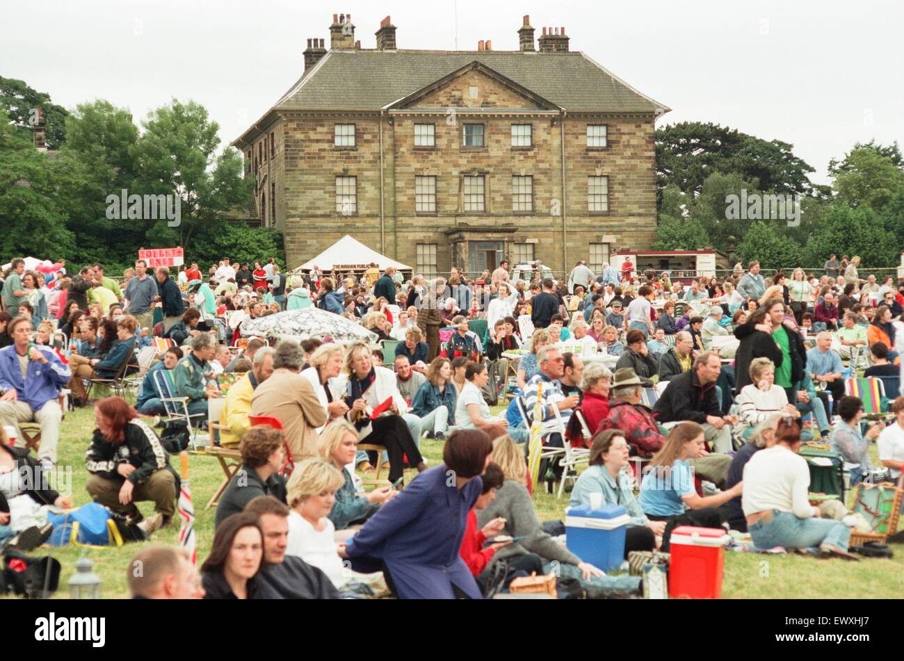 Un anni sessanta e settanta concerto simile a bande e Beatlemania Bjorn Again era tenuto a Ormesby Hall di sabato Immagini Stock