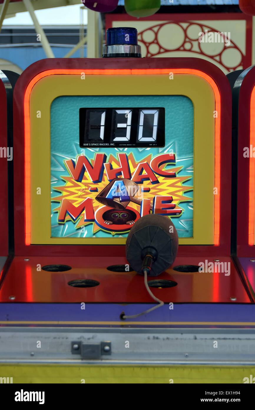 Whac una mole di gioco in un parco di divertimenti di Coney Island, Brooklyn, New York Immagini Stock