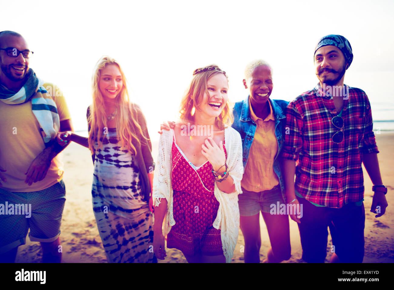 Il legame di amicizia Relax Estate spiaggia felicità Concept Foto Stock