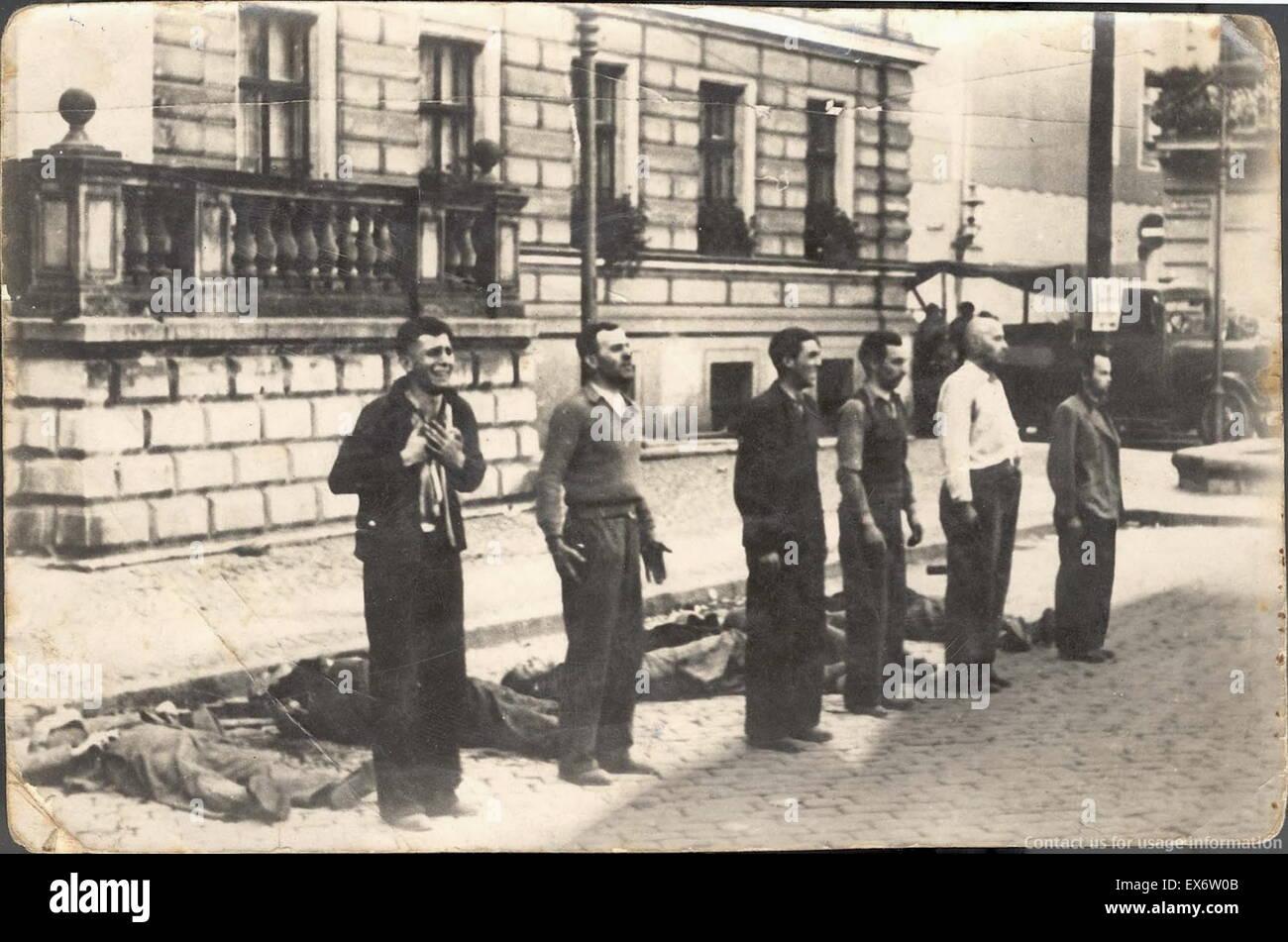 Rivolta verso la morte le diverse espressioni di sei civili polacchi momenti prima della morte per fucilazione, Immagini Stock