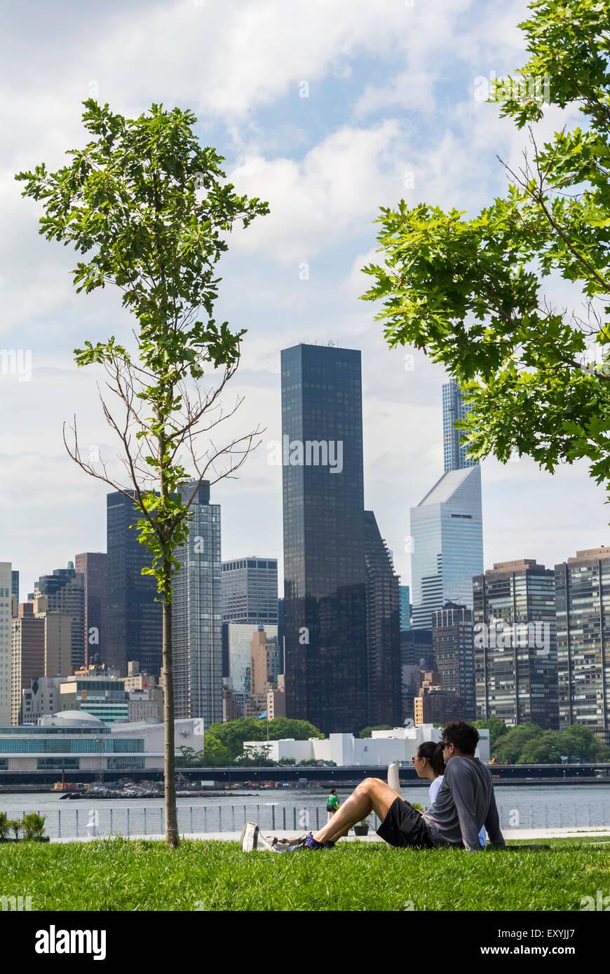 New York City, NY, STATI UNITI D'AMERICA, turistico coppie che vogliono godersi il cacciatore punto, South Park, Immagini Stock