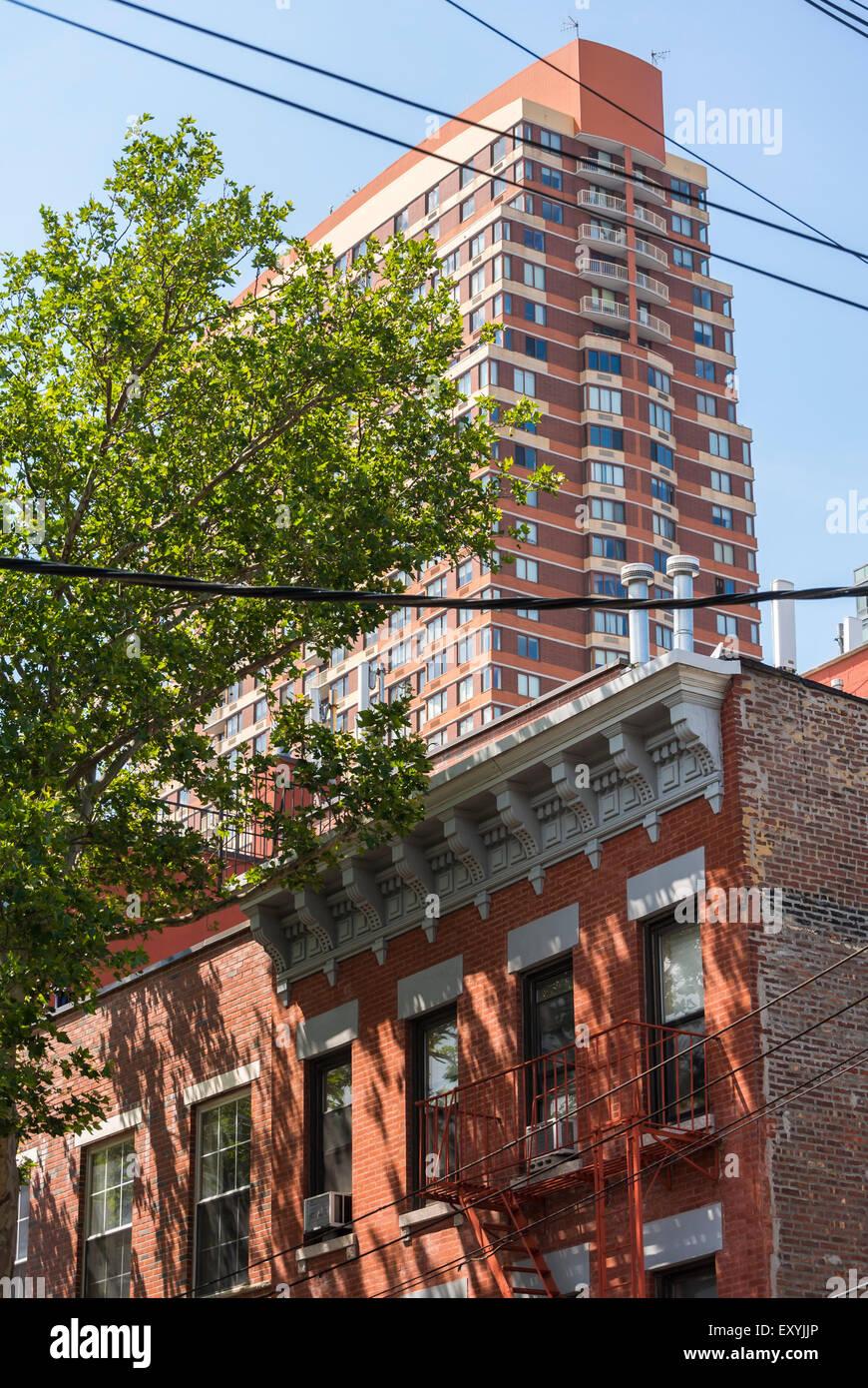 New York City, NY, STATI UNITI D'AMERICA, Contrasto, nuovi e vecchi edifici, il cacciatore punto, South Park, Immagini Stock
