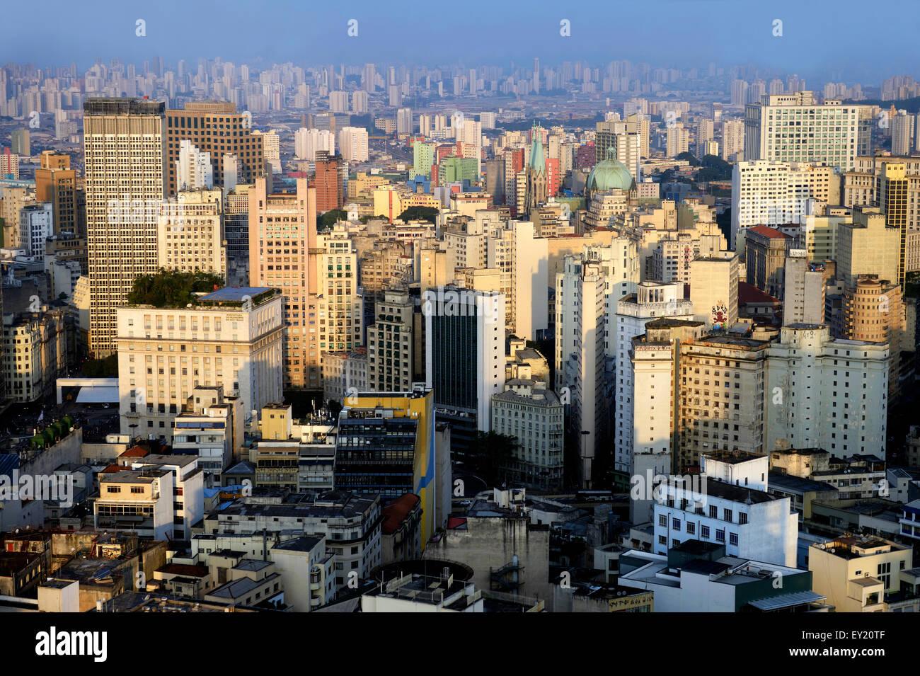 Paesaggio con grattacieli, São Paulo, Brasile Immagini Stock