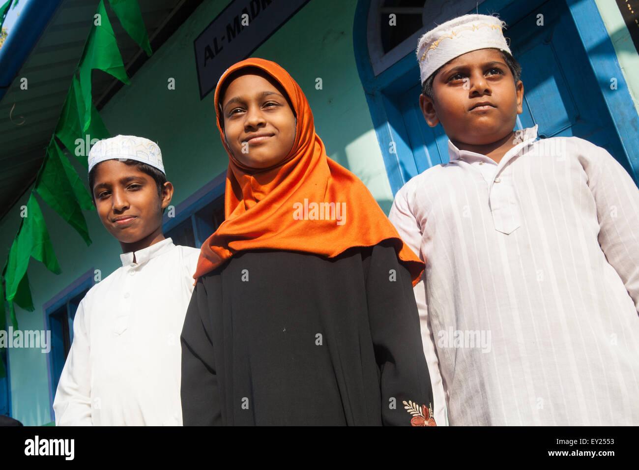 Ritratto di tre fratelli musulmani e sorella di Alleppey, Kerala Immagini Stock