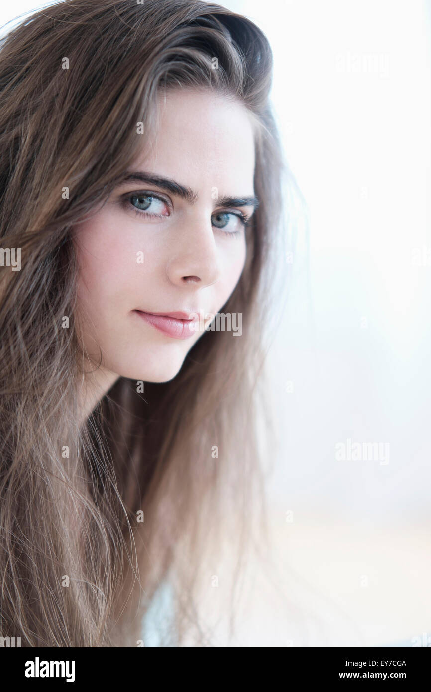 Ritratto di giovane donna con gli occhi blu Immagini Stock