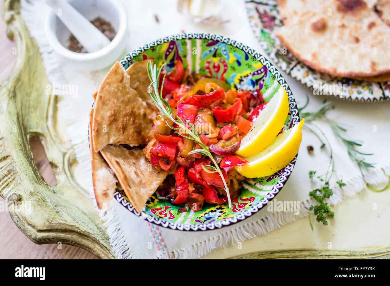 Arrosto di verdure mediterranee Immagini Stock