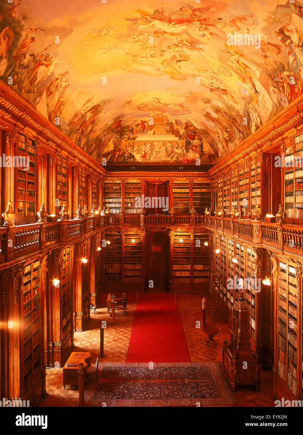 Monumentale affresco sul soffitto della sala filosofica nella libreria di Strahov presso il Monastero di Strahov Immagini Stock