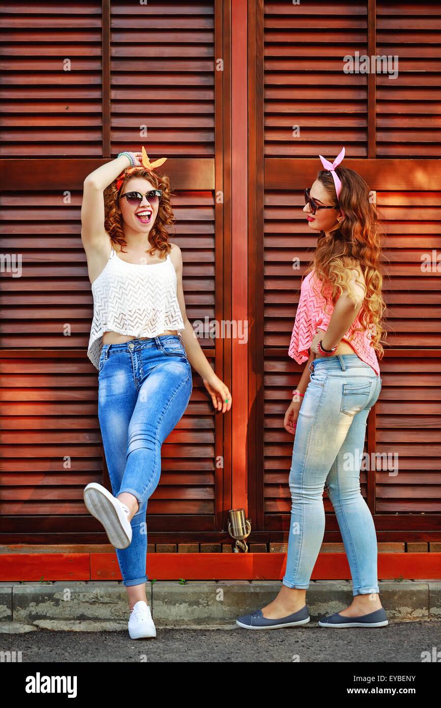 new style 2f34e 005d7 Migliori amiche sono vestiti in stile pin-up girl. Il ...