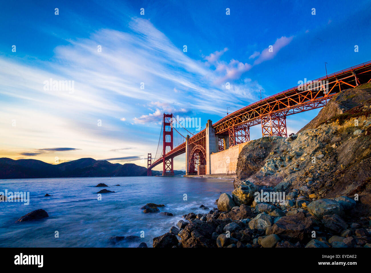 San Francisco Golden Gate Bridge al tramonto Immagini Stock
