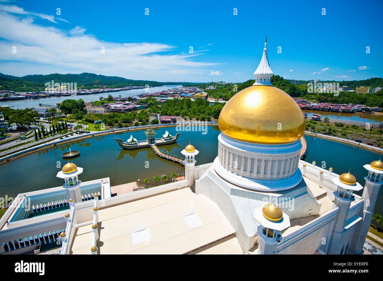 Sultan Moschea di Omar Ali Saifuddien; Bandar Seri Begawan, Brunei Immagini Stock