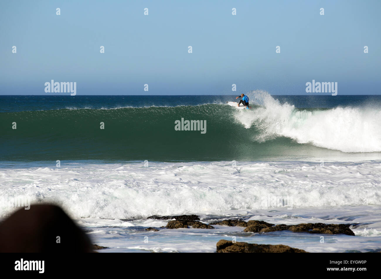 Kelly Slater competono al 2015 Jeffreys Bay Surf World League professional surf concorrenza in Sud Africa Immagini Stock