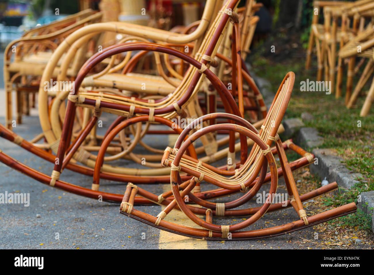 Sedia A Dondolo Per Neonati.Il Bambu Sedie A Dondolo Per Bambini E Adulti Sul Lato Della