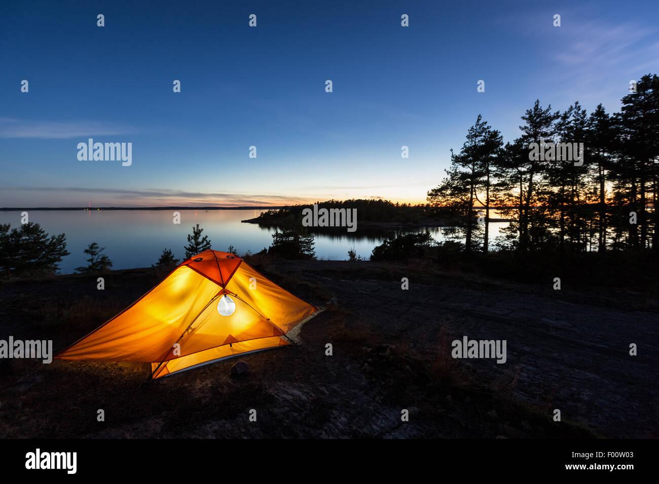 Campeggio a Bylandet isola, Kirkkonummi, Finlandia, Europa, UE Immagini Stock