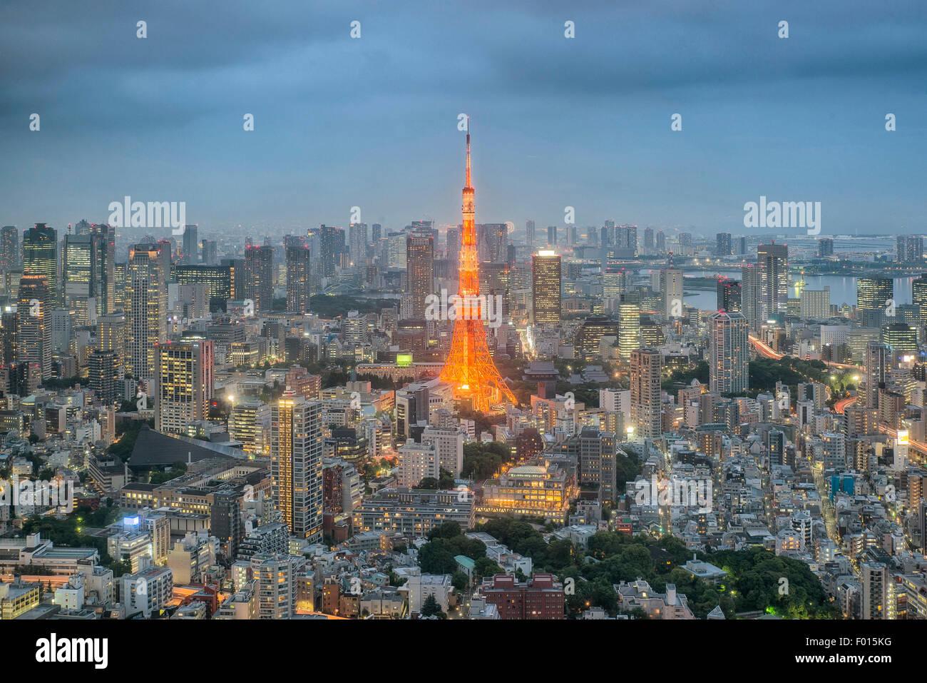 La torre di Tokyo di notte nella città di Tokyo, Giappone Immagini Stock