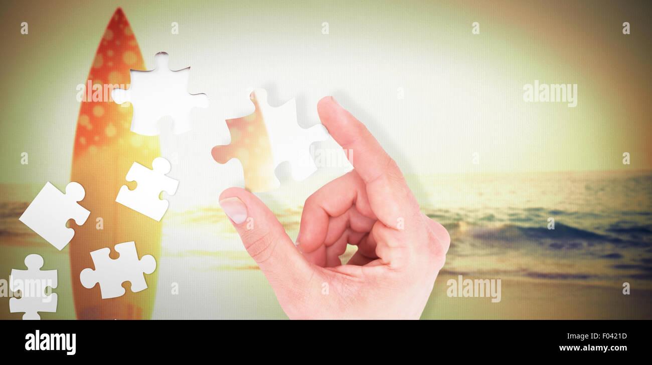 Immagine composita di imprenditore misurare qualcosa con le sue dita Immagini Stock