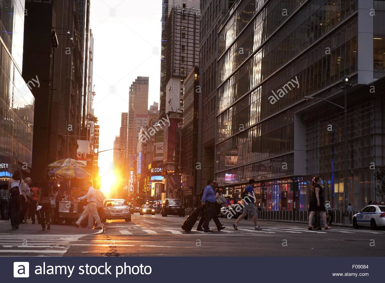 Fifth Avenue At 42nd Street Immagini   Fifth Avenue At 42nd Street ... 370e6add47f8