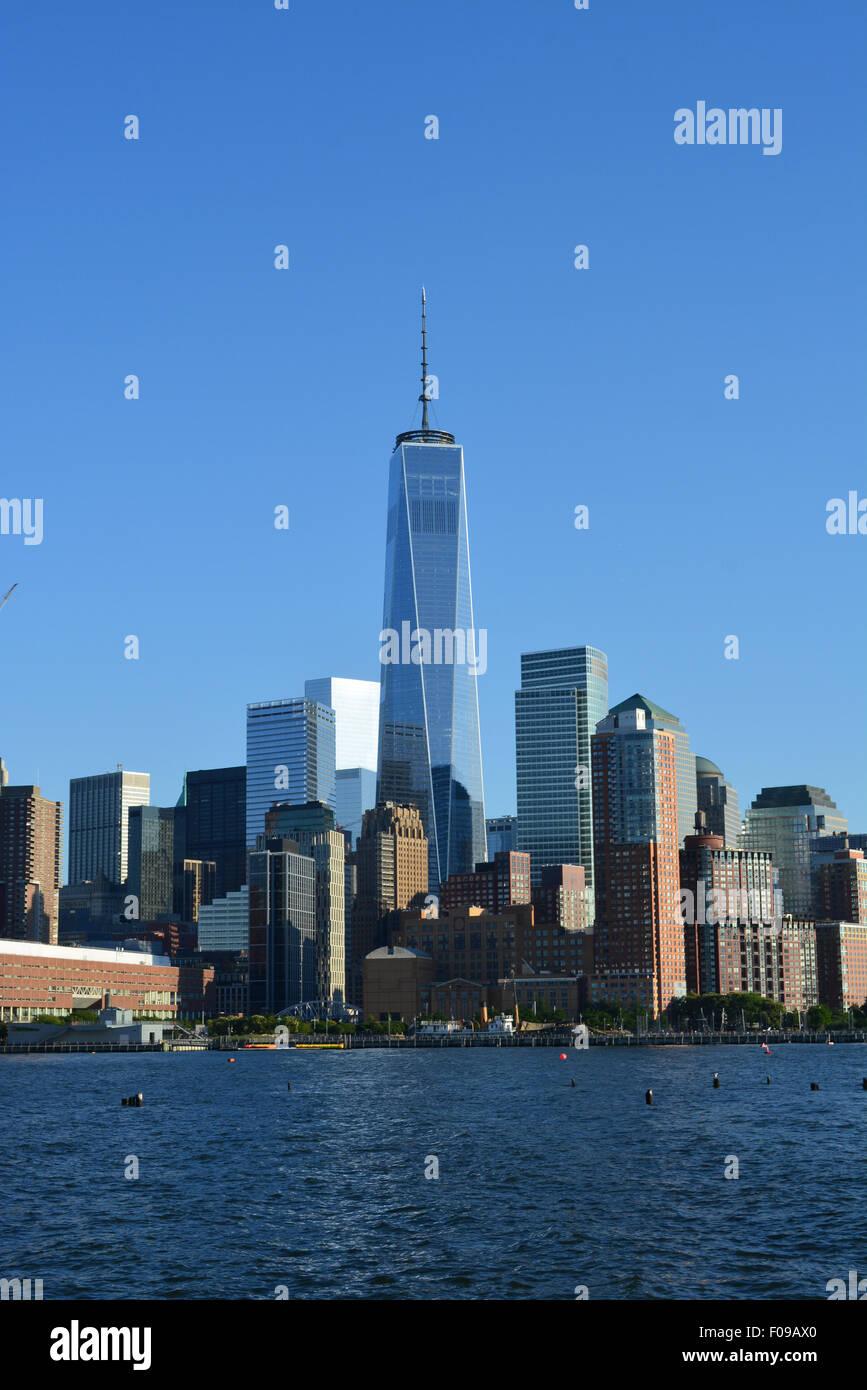 La parte inferiore di Manhattan skyline lungo il fiume Hudson. Immagini Stock