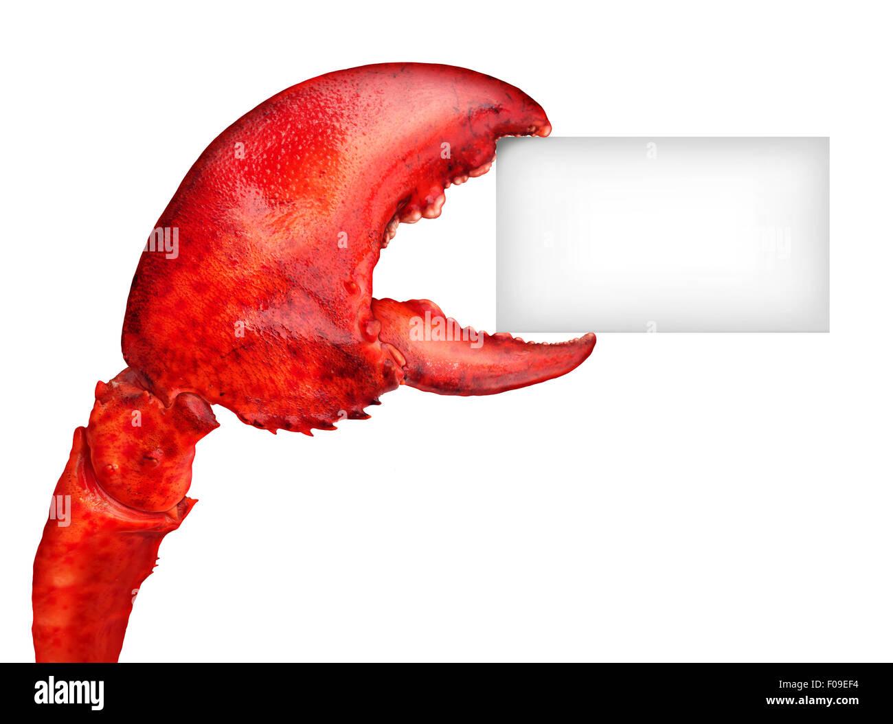 Lobster claw tenendo una scheda vuota segno come un nuovo messaggio di pesce o crostacei cibo concetto con un mantello Immagini Stock