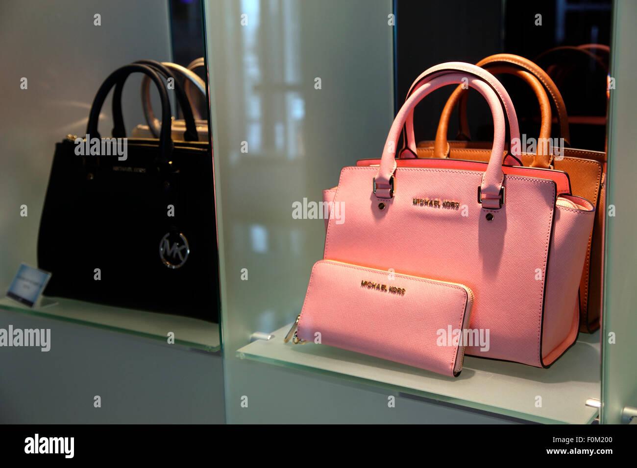 Michael Kors Handbags Immagini & Michael Kors Handbags Fotos