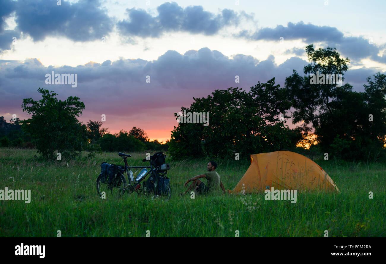 Escursioni in bicicletta in Zimbabwe, Africa Immagini Stock