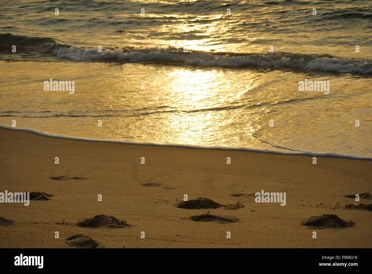 Orme lungo la spiaggia, a Banda Aceh e Sumatra, Indonesia Immagini Stock