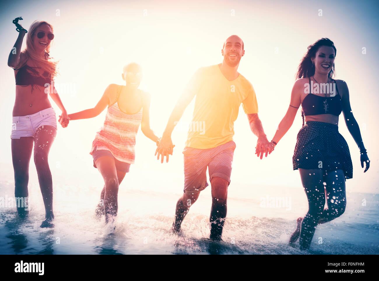 Amicizia libertà spiaggia vacanze Estate Concept Immagini Stock