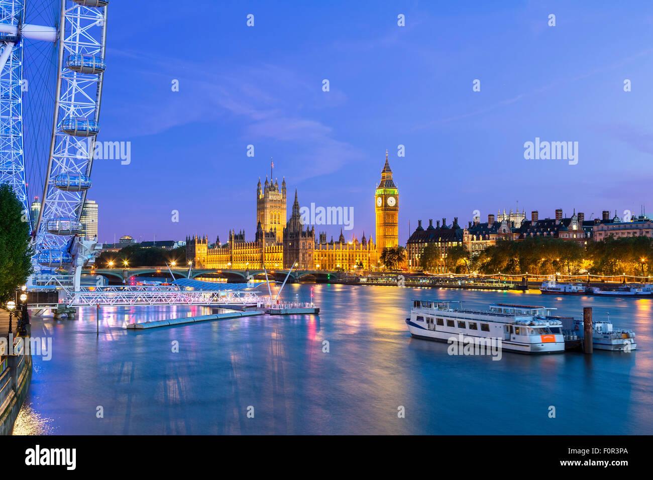 Inghilterra, lo skyline di Londra al tramonto Immagini Stock