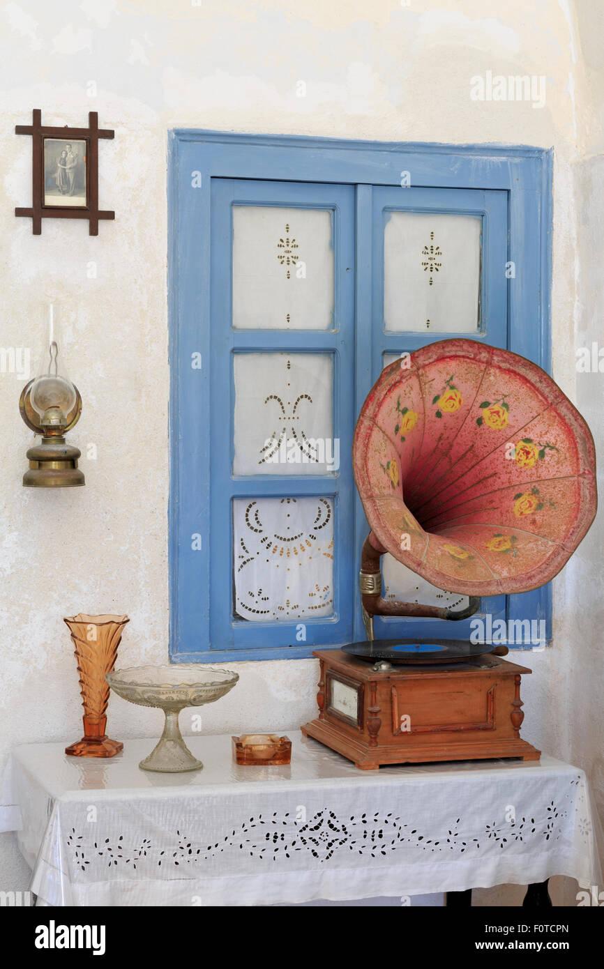 Soggiorno, Museo del Folklore, città di Fira, Santorini Island ...
