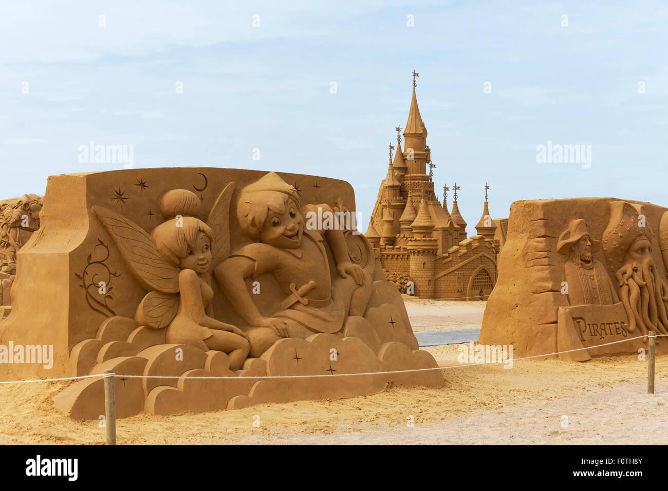 Peter pan e gli elfi walt disney cartoni animati e il castello