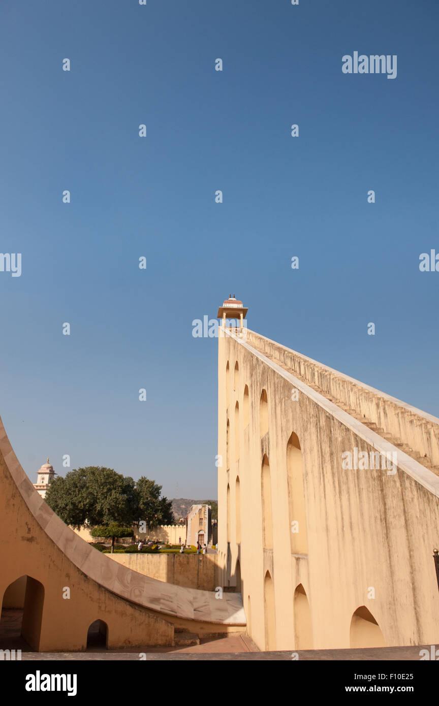 Jaipur, India. Jantar Mantar osservatorio costruito 1738 da maharaja Sawai Jai Singh. Immagini Stock