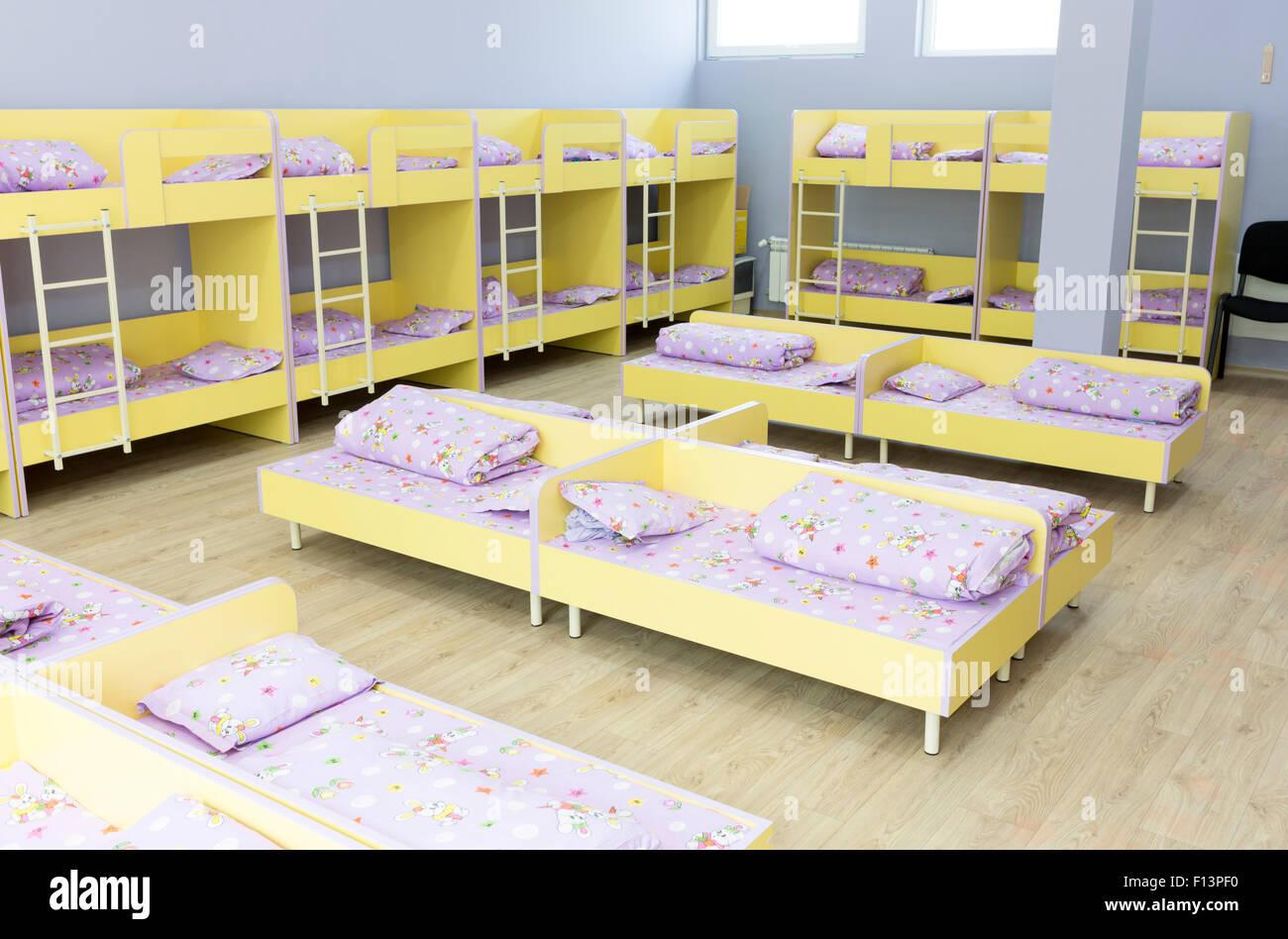 Letti A Castello Per Bambini Piccoli.Moderna Camera Da Letto Kindergarten Con Piccoli Letti A Castello