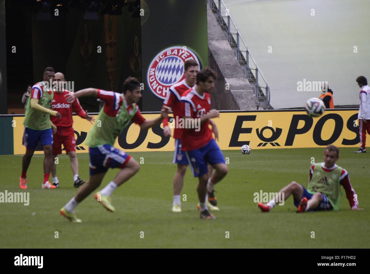Impressionen - Formazione des FC Bayern Muenchen vor dem anstehenden Finale um den DFB-Pokal zwischen Borussia Dortmund und dem FC Foto Stock