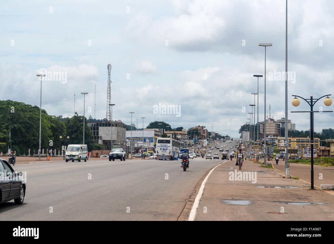 Autostrada a Yamoussoukro, in Costa d Avorio Immagini Stock