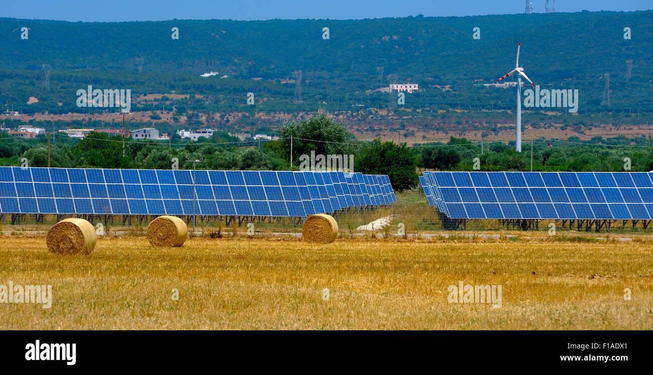 Impianti Fotovoltaici In Vendita Puglia campagna della puglia, energia eolica turbina e pannelli