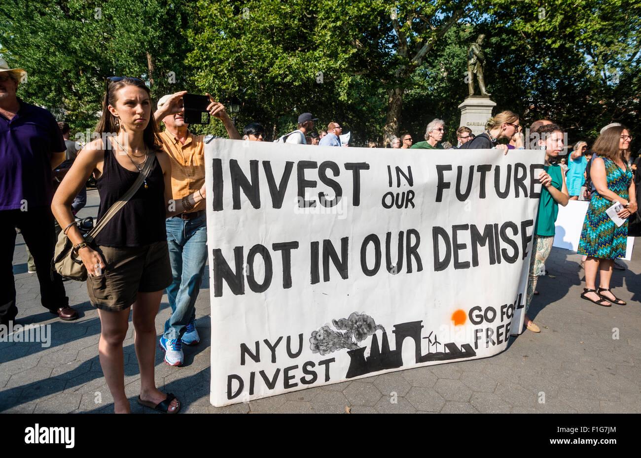 New York, NY - 1 Settembre 2015 - la cui NYU, una coalizione di gruppi di comunità, facoltà, gli studenti Immagini Stock