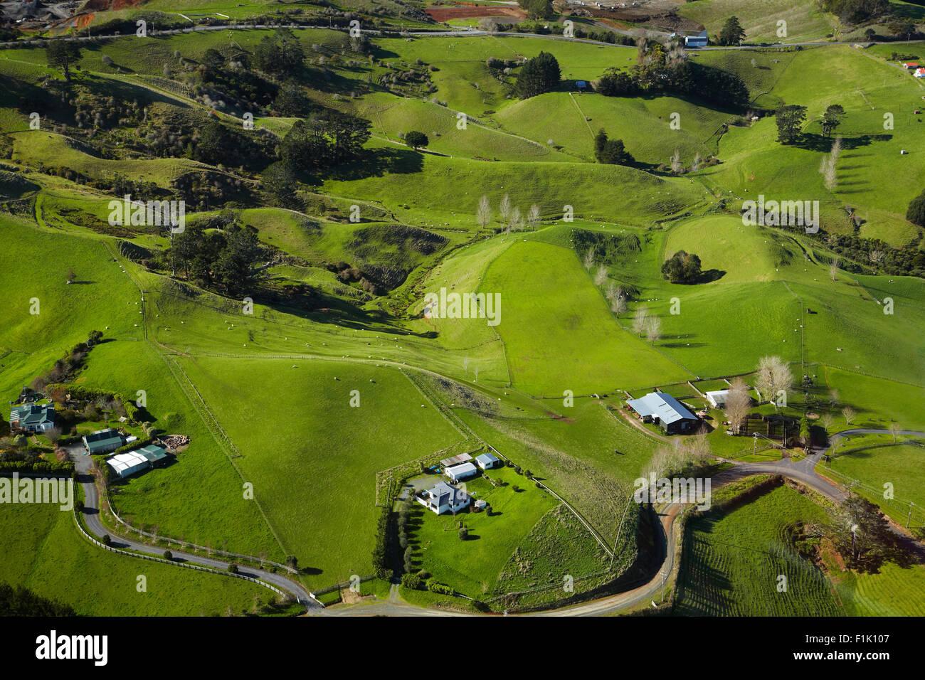 Terreni agricoli, Bombay Hills, South Auckland, Isola del nord, Nuova Zelanda - aerial Immagini Stock