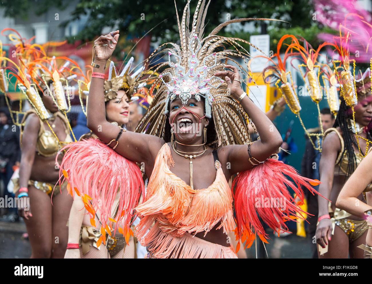 Celebrazione al Notting Hill Carnival-The più grande festival di strada in Europa. La cultura dei caraibi con Immagini Stock
