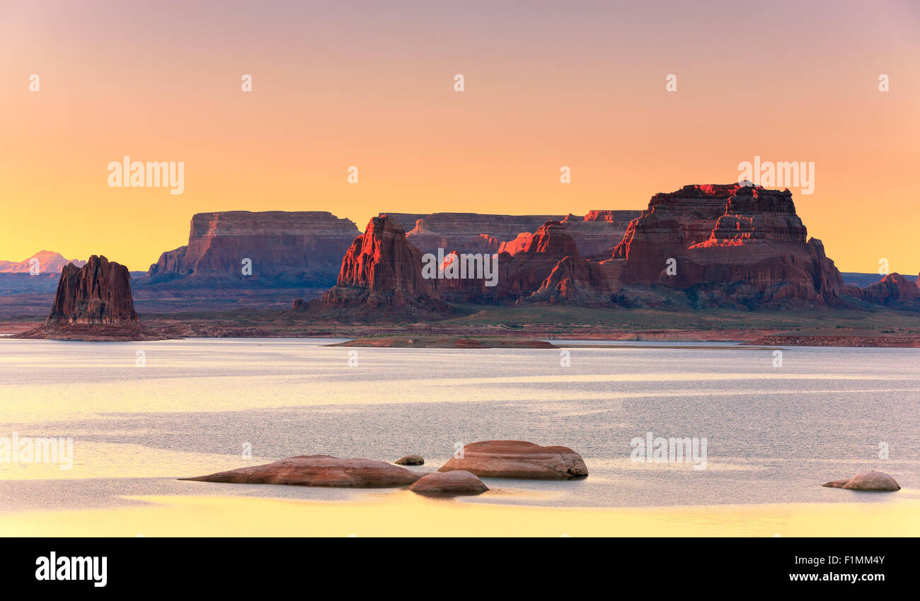 Padre Bay, dal Cookie Jar Butte di sunrise. Il Lake Powell, Utah, Stati Uniti d'America Immagini Stock