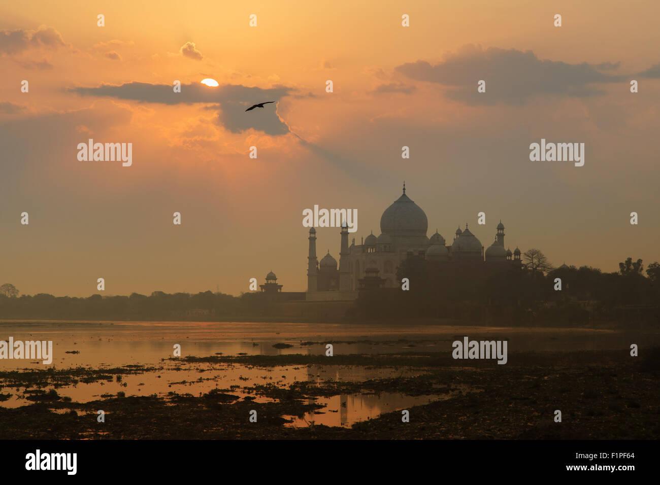 Un sunrise vista del Taj Mahal di Agra, India. Immagini Stock