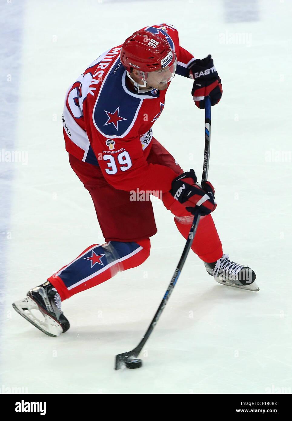 Mosca, Russia. 4 Sep, 2015. Il CSKA's Jan Mursak in azione in un 2015/2016 KHL Regular Season hockey su ghiaccio Immagini Stock