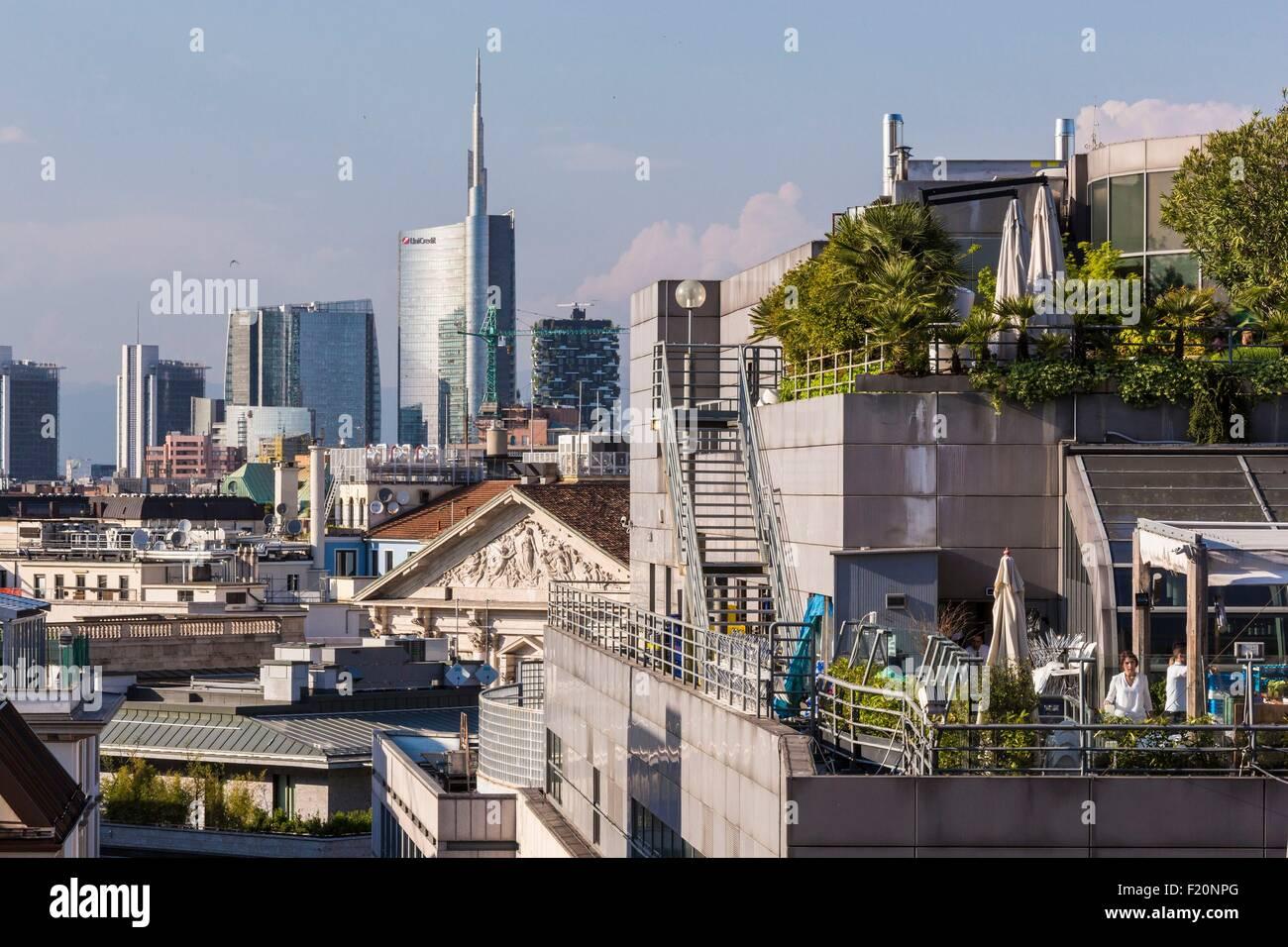 L\'Italia, Lombardia, Milano, la terrazza del ristorante Obicα alla ...