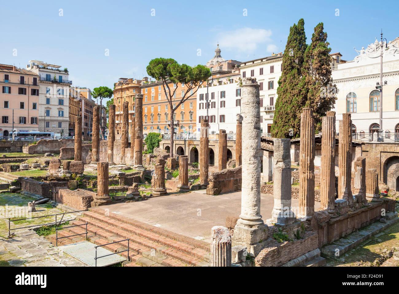 Rovine di quattro teatri romani in Largo di Torre Argentina o largo argentina una piazza di Roma Italia Roma Lazio Immagini Stock